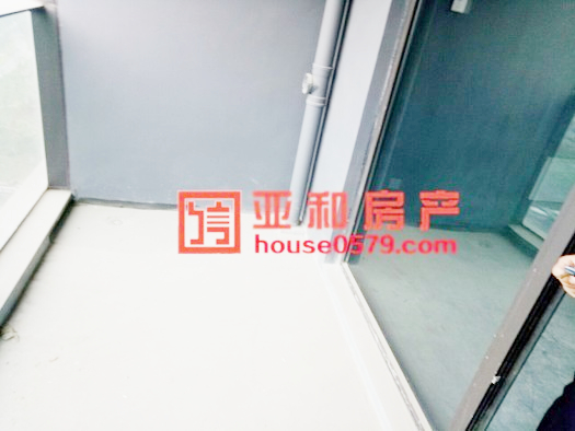 【香溪印象-105平套间】毛坯房 带车位 160万