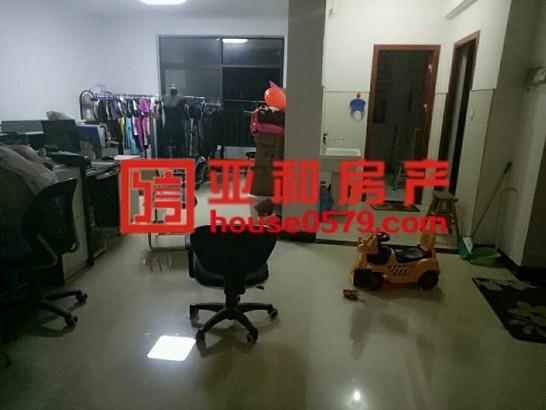 【万商华府】西城景观房 四周景色秀丽 房子格局新颖
