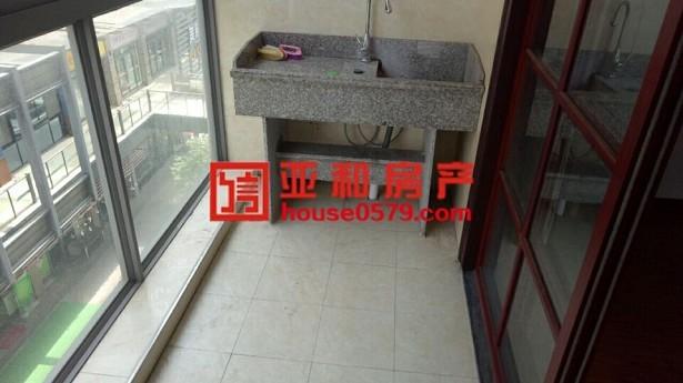 【北苑中心地段】现代广场 清爽装修 产证齐全 满两年