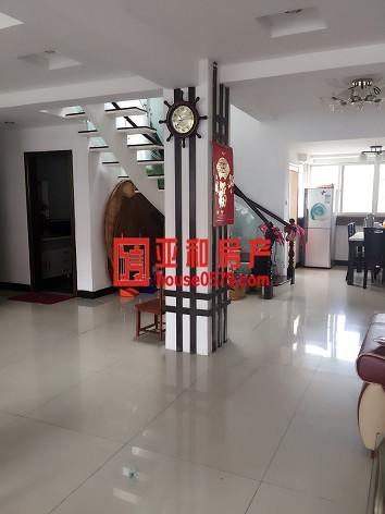 【建苑小区】楼中楼+车库+露台170平285万 宾王中学学区