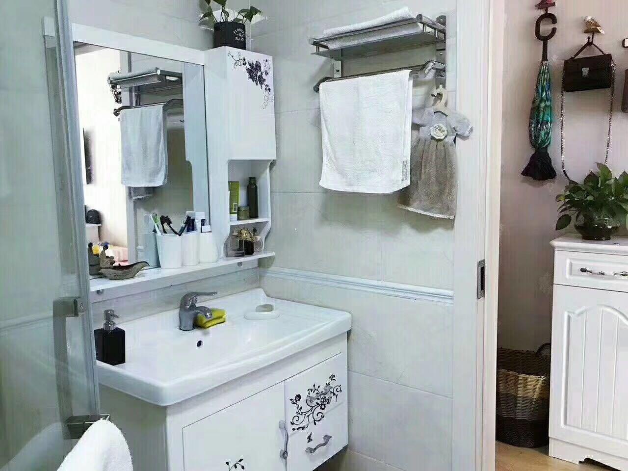 单身公寓带家具家电出售挂学区专用宾王