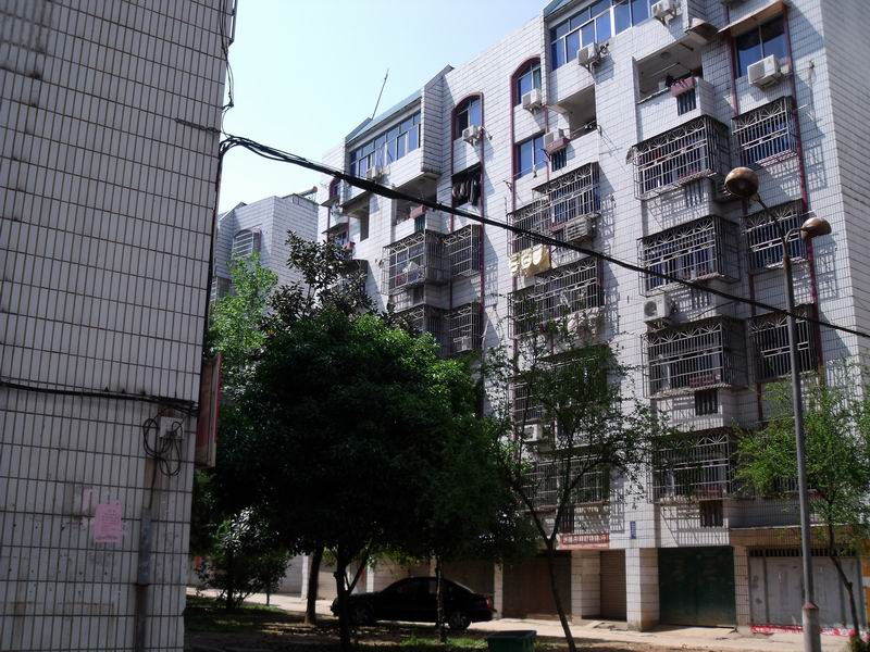 胜利一区3间4层垂直房占地111.5平已出让房东诚心出售