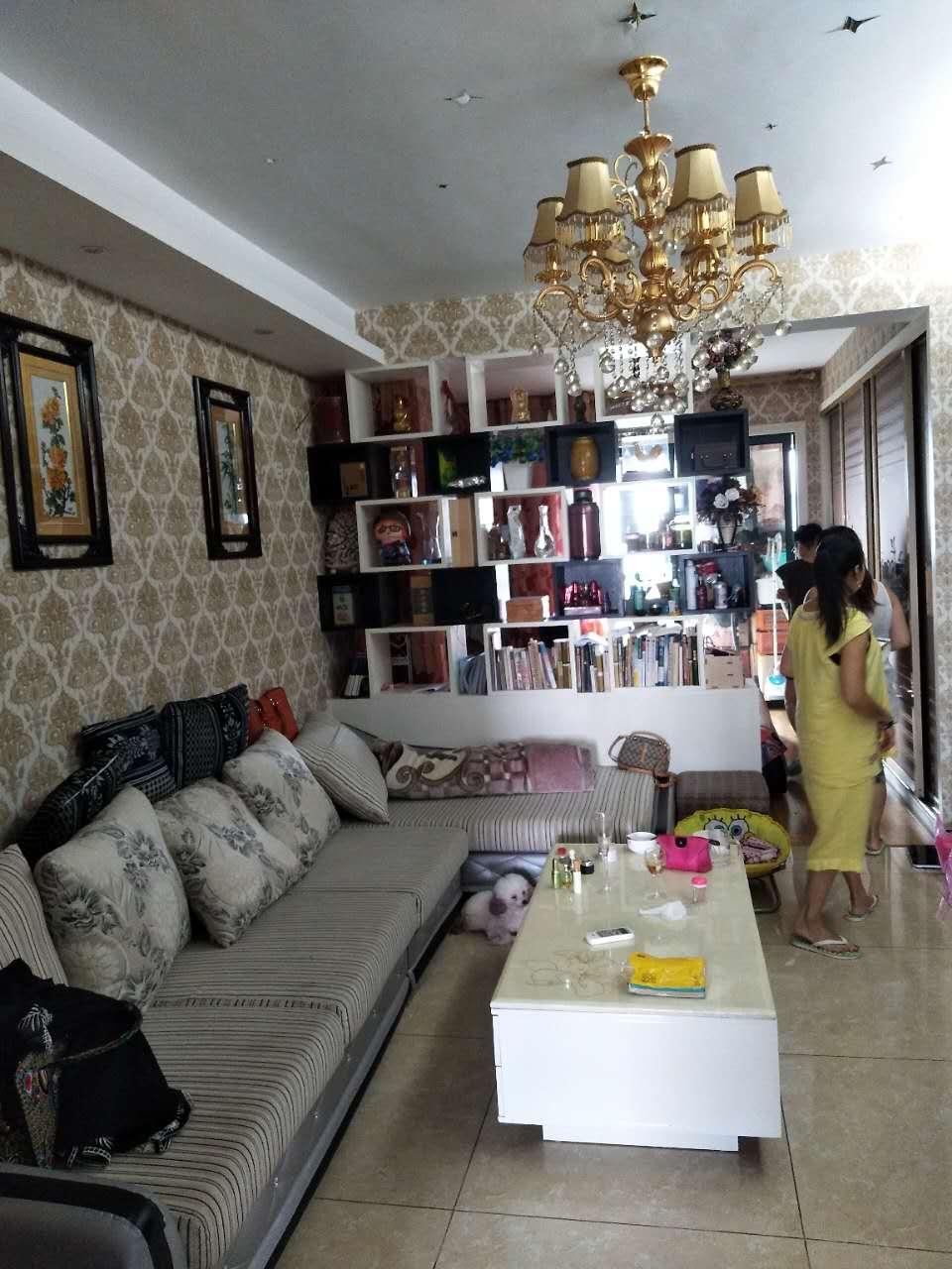 紫荆公寓62平单身公寓精装修房东诚心50万出售
