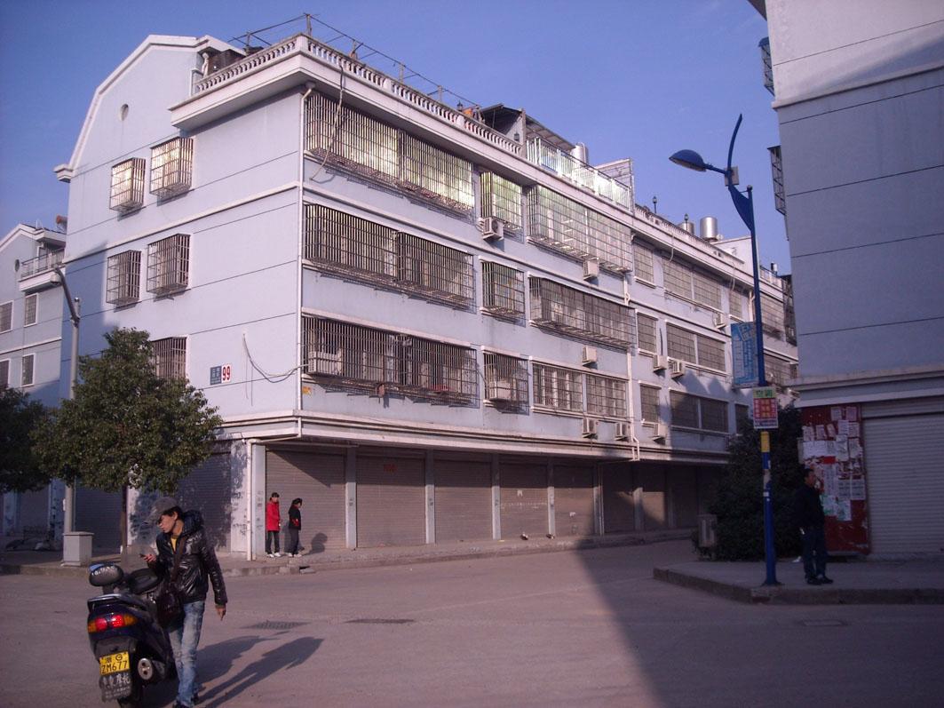 江南二区顶楼+阁楼西边套一梯一户中等装修证齐满两年