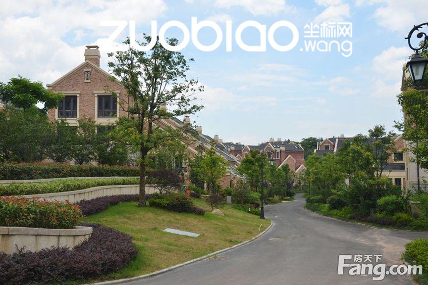 金义都市最大小区 山顶别墅居高临下 诚售360万