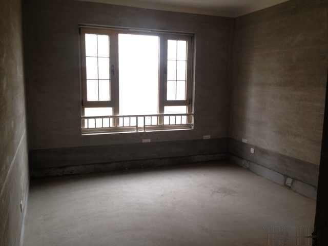 紫荆公寓 104平 毛坯  三证齐全 市场价醉低一套