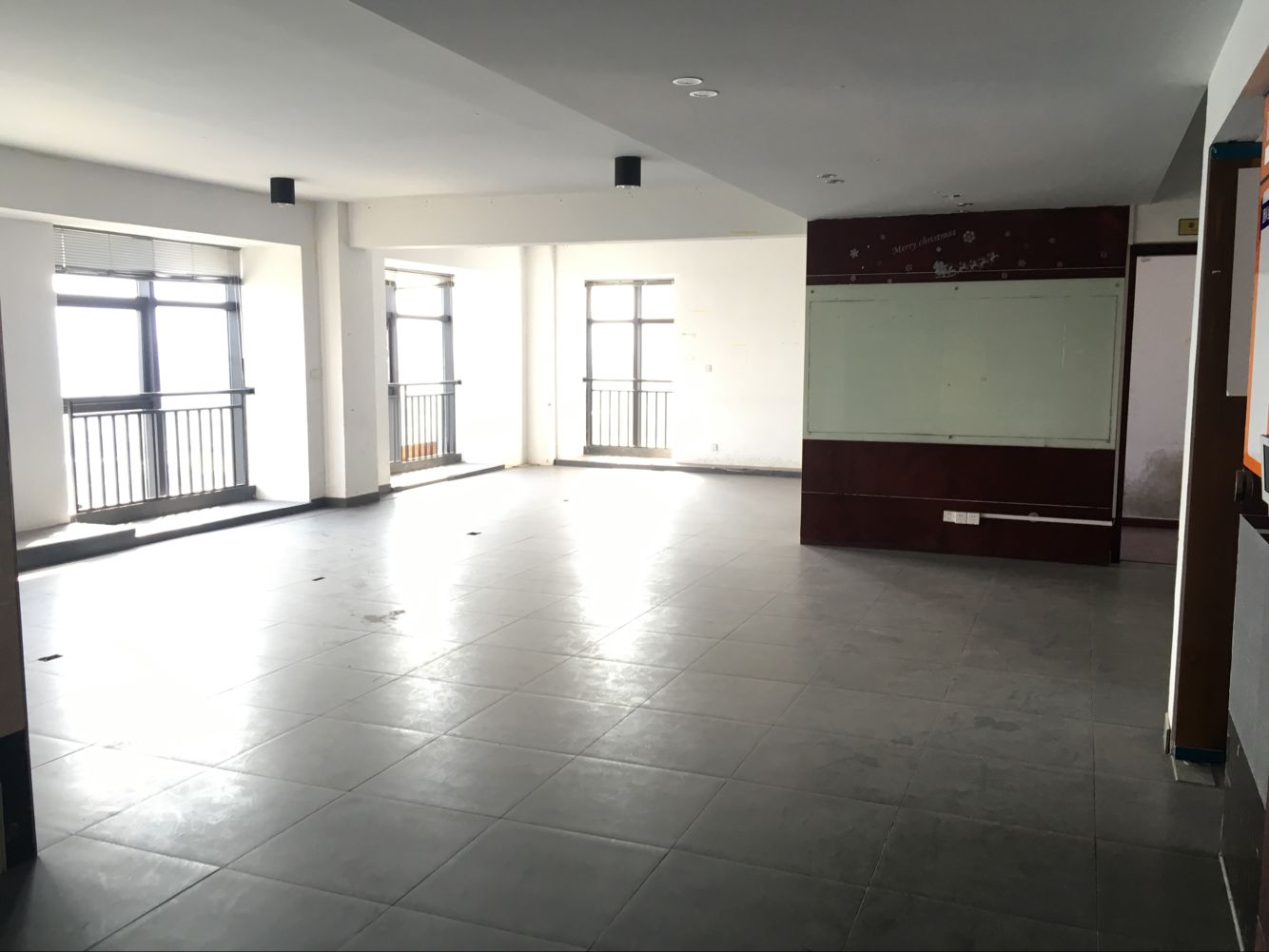 江滨北路 宾王双学区 带电梯