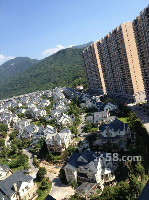 紫禁公寓边套中等楼层证齐市场最低价出售