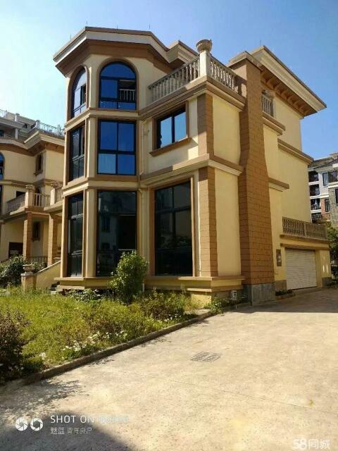 金义都市新区,300万不到的独栋别墅,超大花园,送车库。