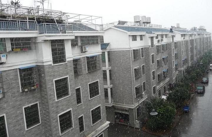 大陈店面垂直房6间7层占地354平院子700平位置佳诚心出售
