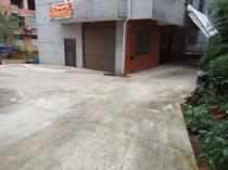 义亭镇白塔塘村(新农贸城边上)三层房屋出租