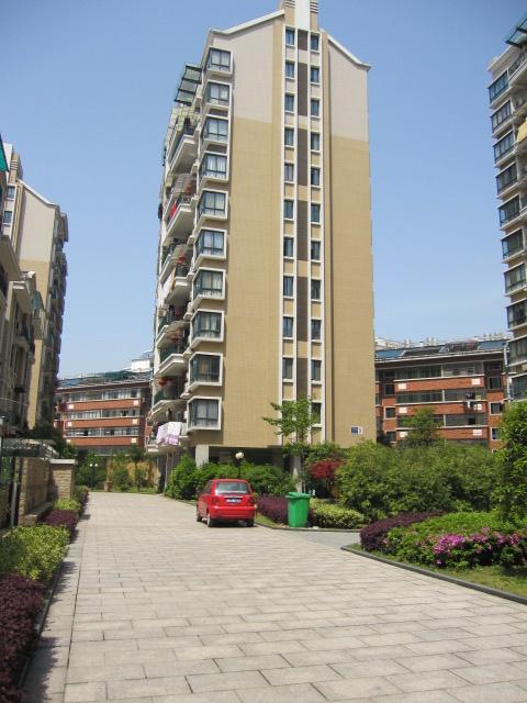 月湖公寓位置好可按揭低于市场价出售看房方便