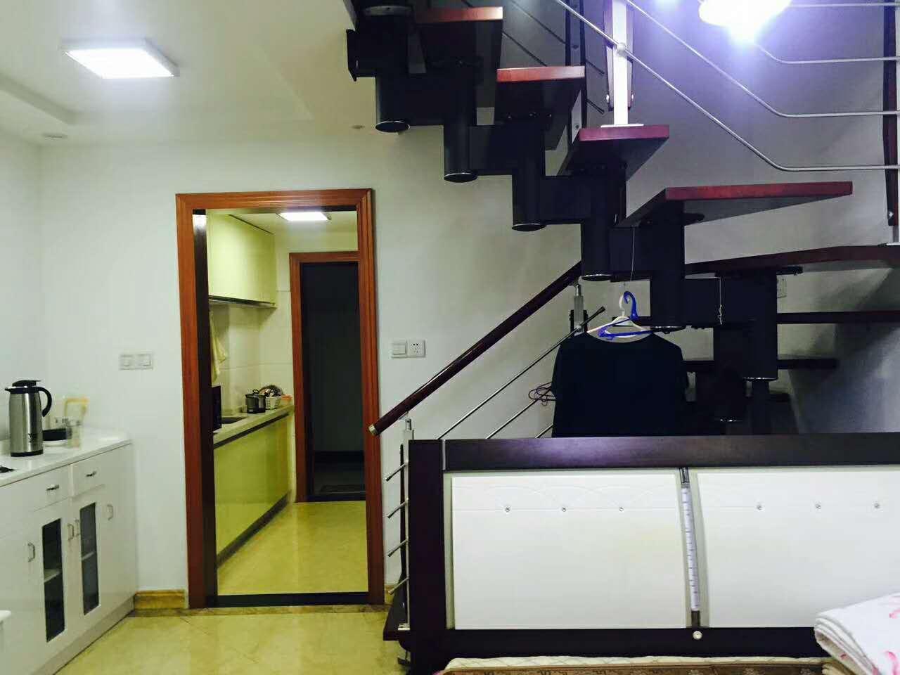 现代公寓40+40平楼中楼82万超低价 精装修 楼层非常好