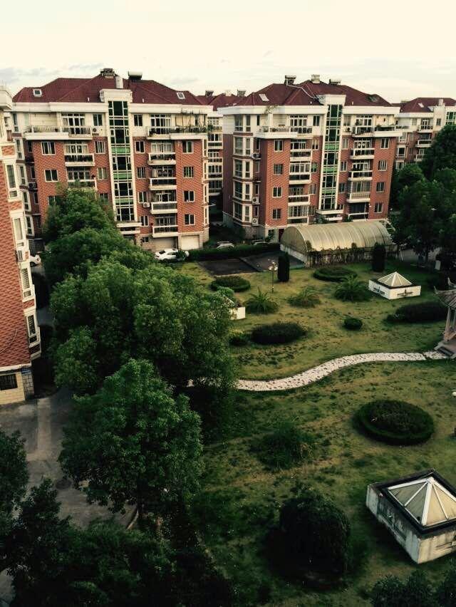 锦都豪苑顶楼楼中楼 实用234平送20平大车库320万诚售