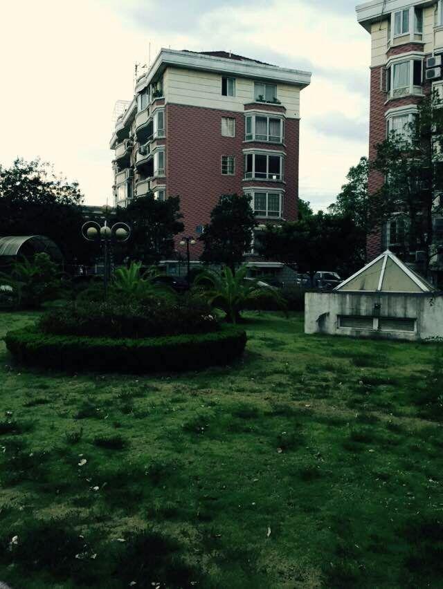 丹桂苑72平130万诚售 位置好 房子新