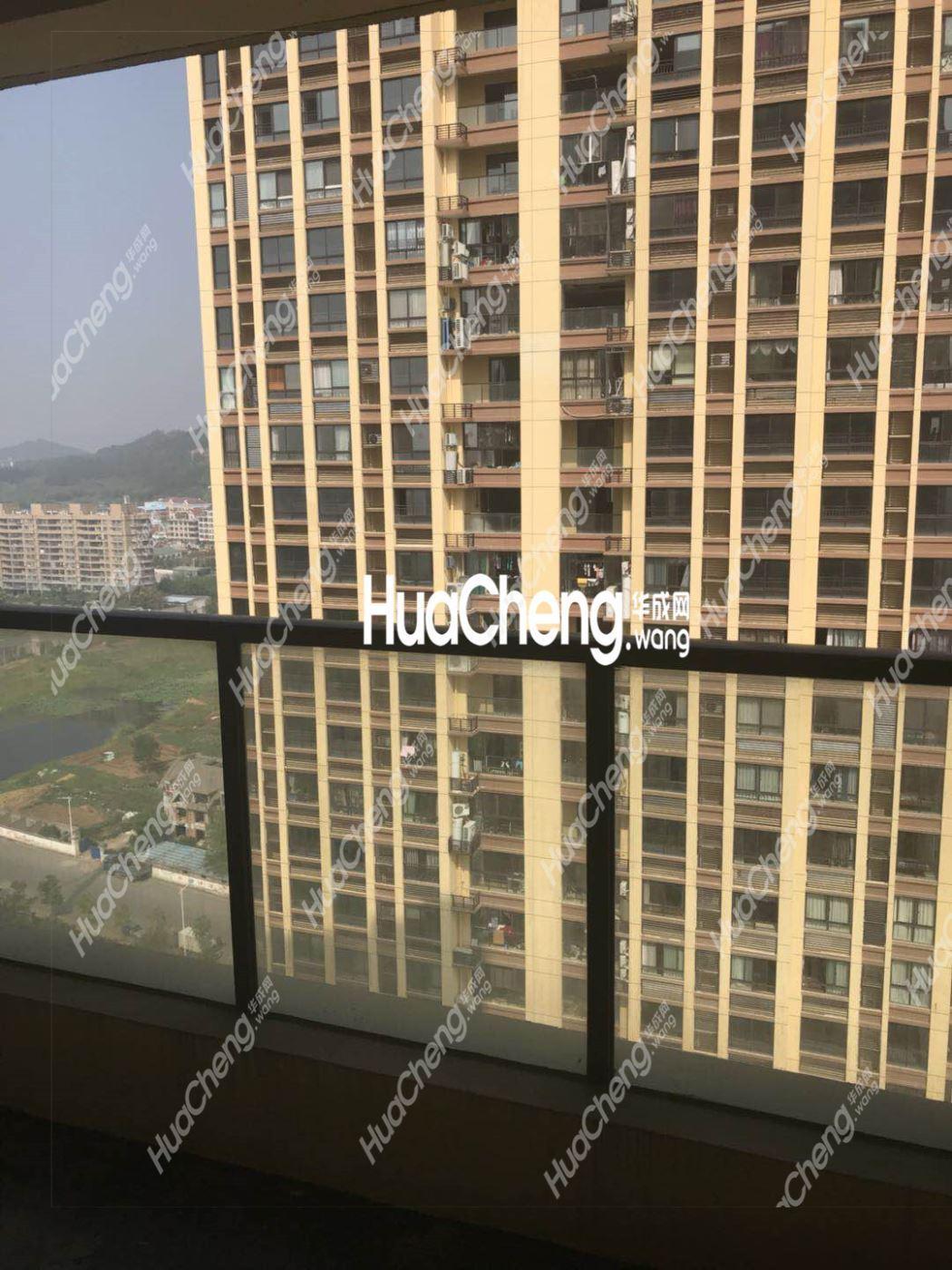 低首付,单价1万的花园小区义乌五亭华府,132平3房2厅高楼