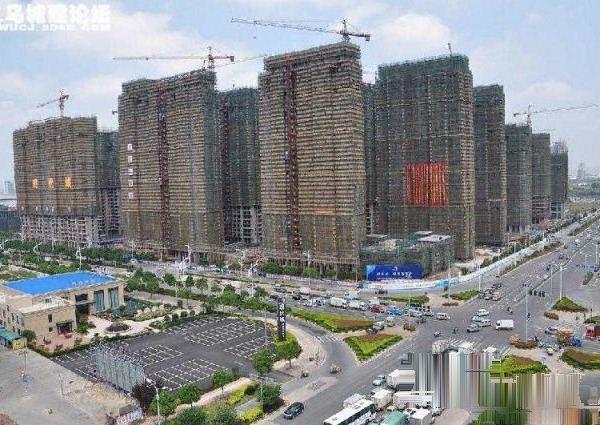 城可改名原价买来23300每平米一次性9.4折楼层好