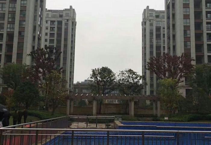 城北商业中心(洪深路) 3室2厅1卫