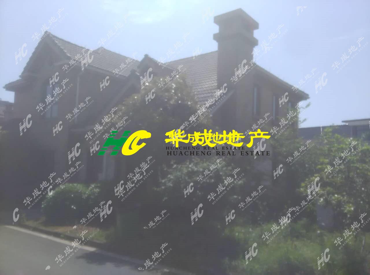 亲!海德排屋这么便宜,你不看看?大花园,大车库,大客厅!