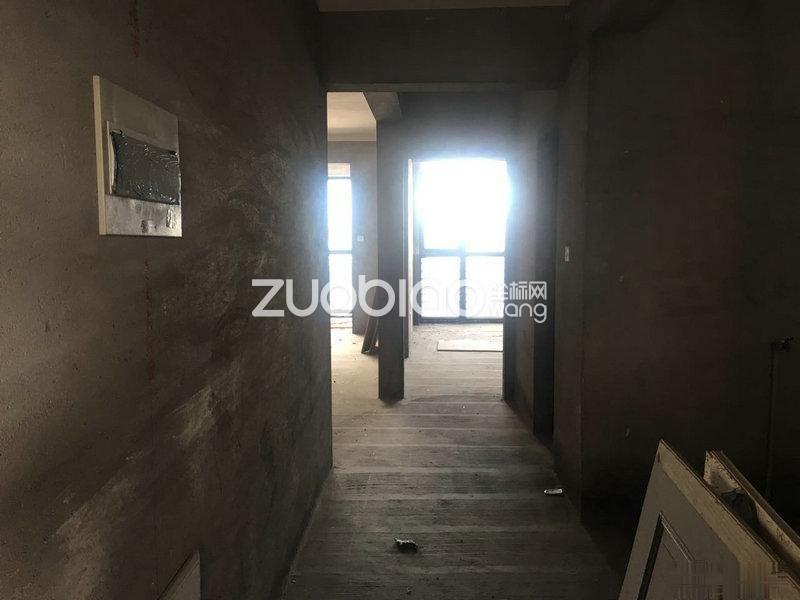1.4日发布,宾王中小学 新房带车位 做一手证 使用面积大