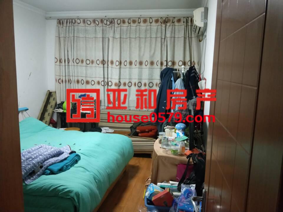 【菊园、梅园、柳园、荷园】梅园确权106平三室 精装修东边套