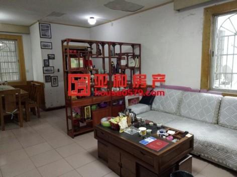 【香山小区】108平三室两厅大阳台 带11平储藏室166万
