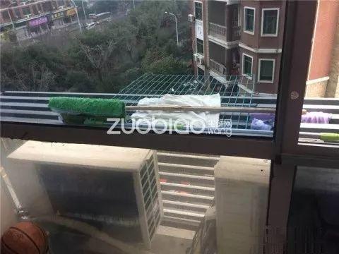 1.19日发布,宾王广场175万 大2房精装修 大阳台 有车
