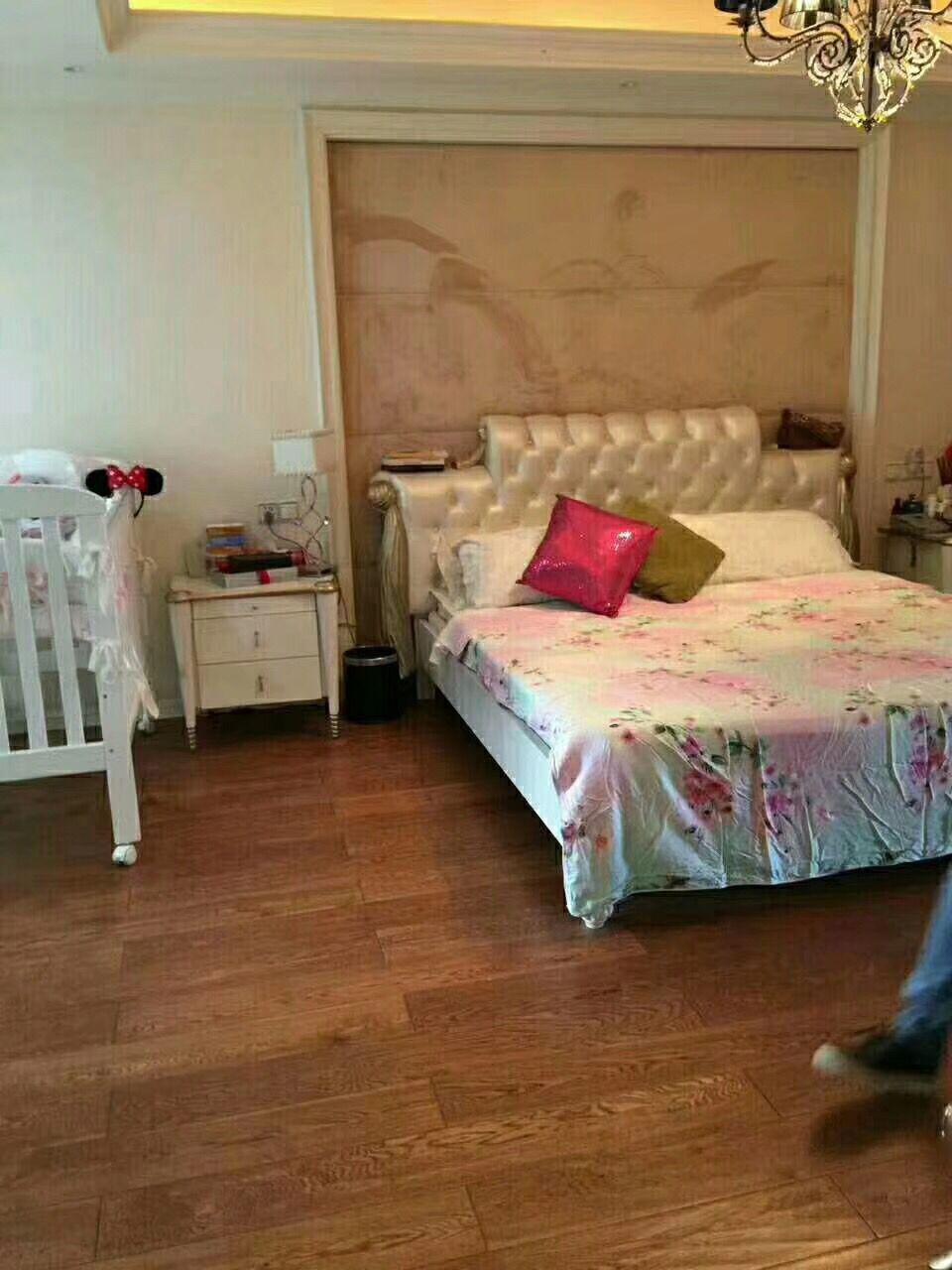 紫荆公寓 满2 简装 朝别墅 可以按揭