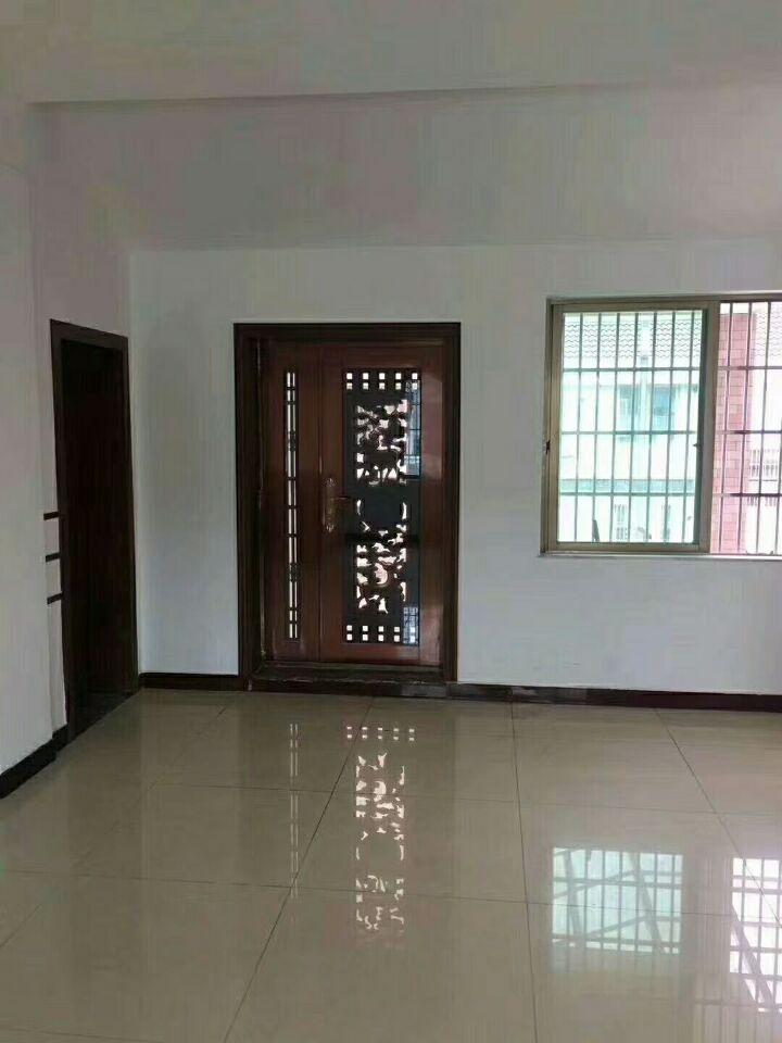 江南三小区三间垂直房占地112平建筑468平全新精装修未出让