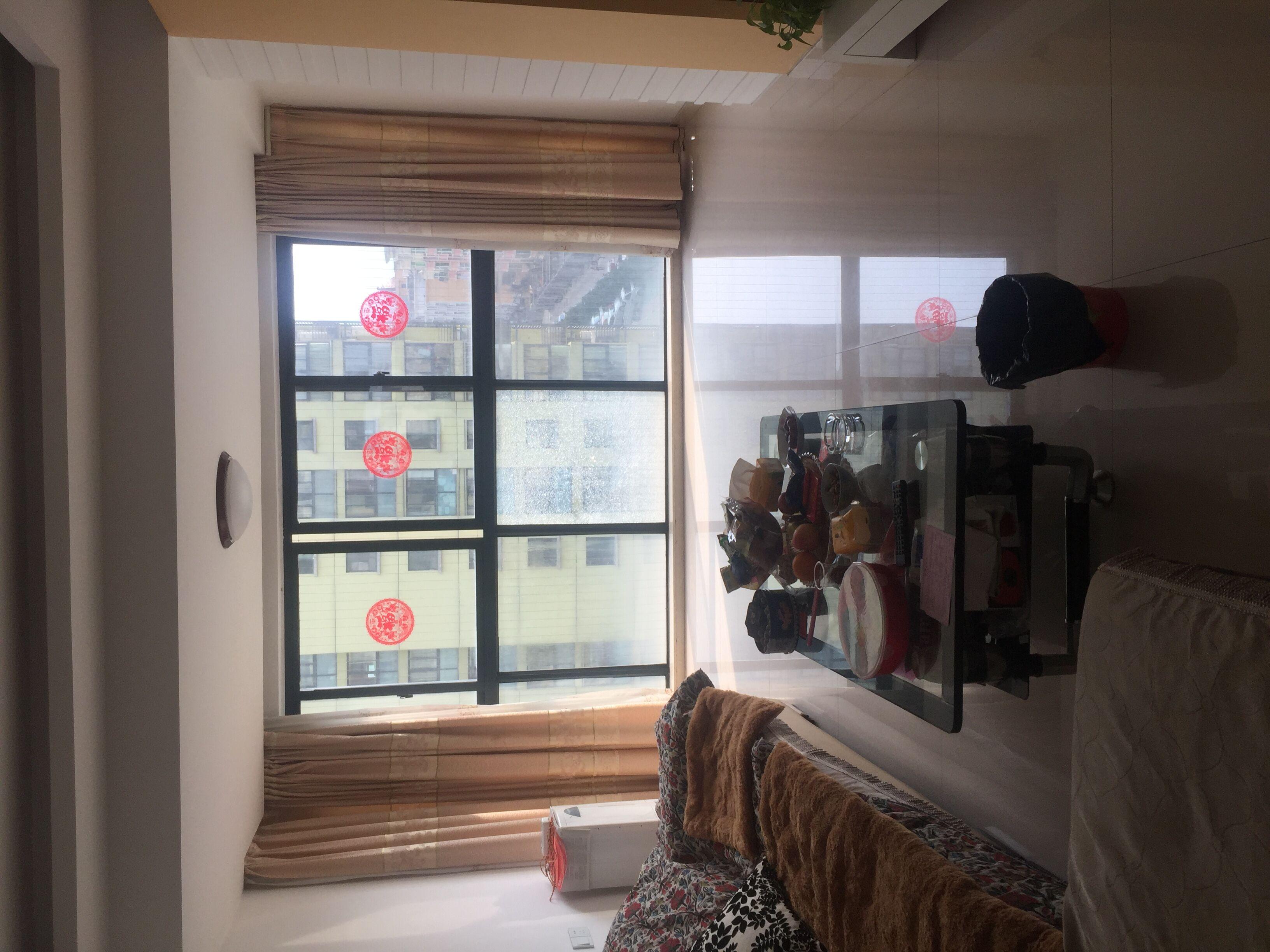 商城星座70�O中等装修采光好房间都带窗户离商贸城非常近