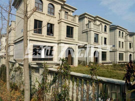 绍兴绿地翠谷333平双拼别墅带150平花园245万均价七千