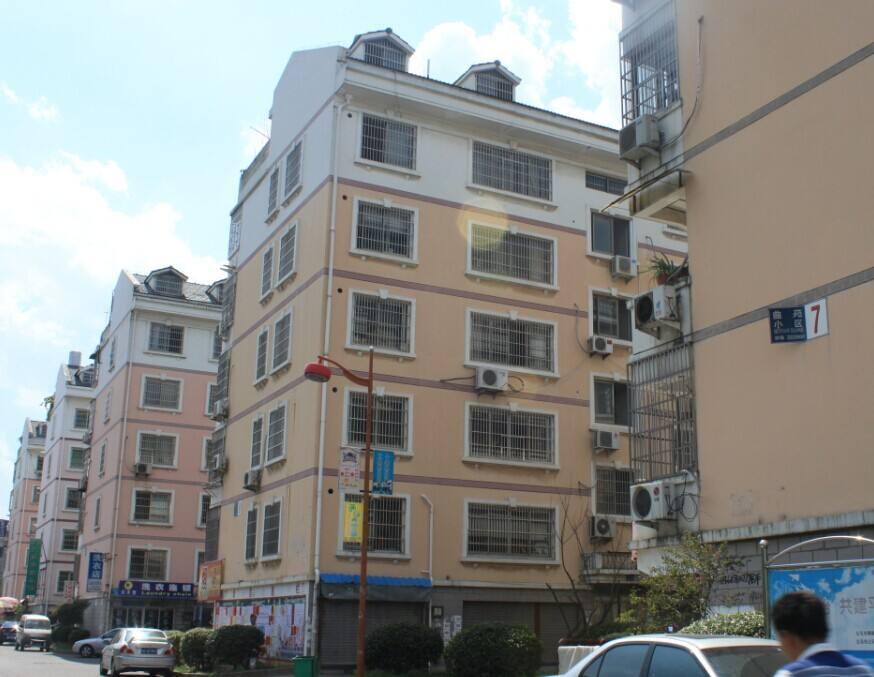 曲苑小区110平加车库20平未出让满两年房主诚心出售