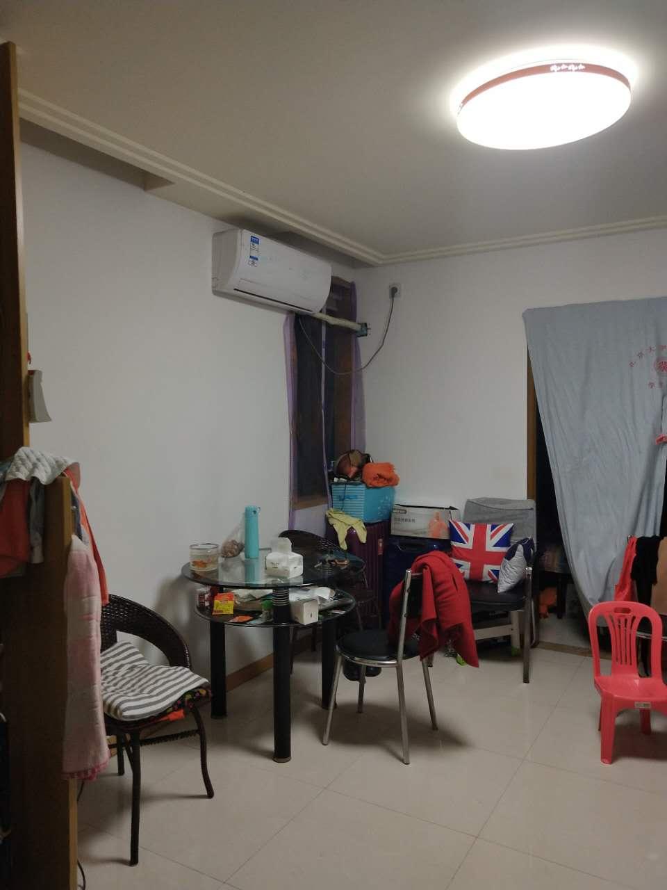 尊宇名座49平3楼年租1.5万精装修有家具