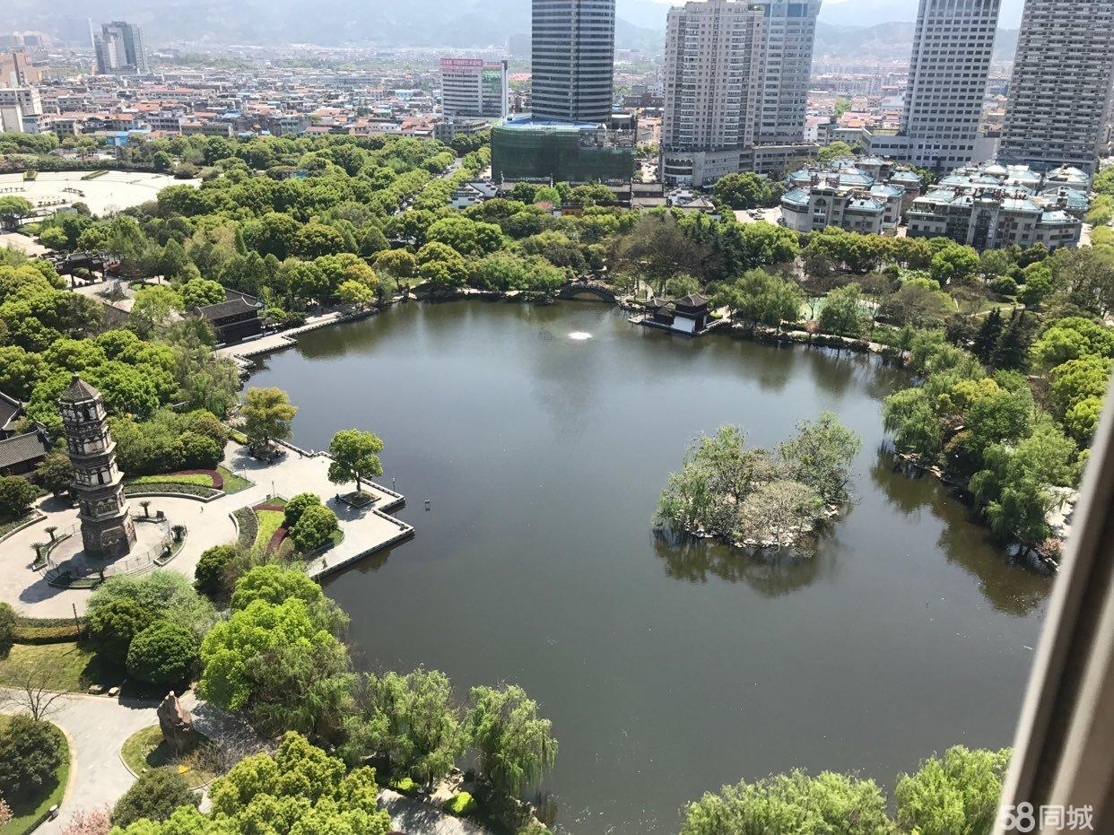 锦绣家园 顶楼、楼中楼。全景绣湖公园、绣湖中小学 送车位