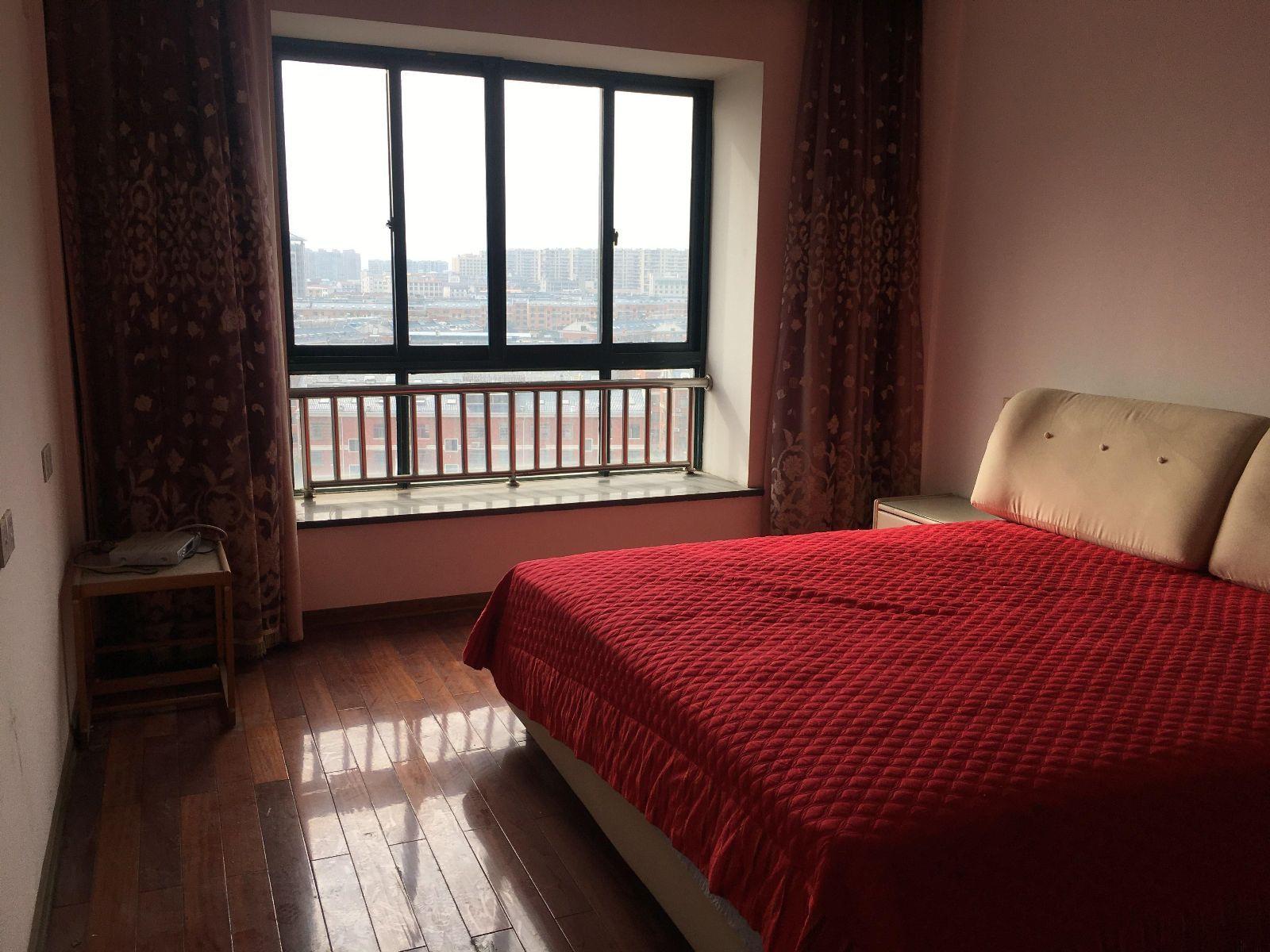 北苑丹溪三区芳草园高楼层 3室2厅2卫 151.5平米 视野