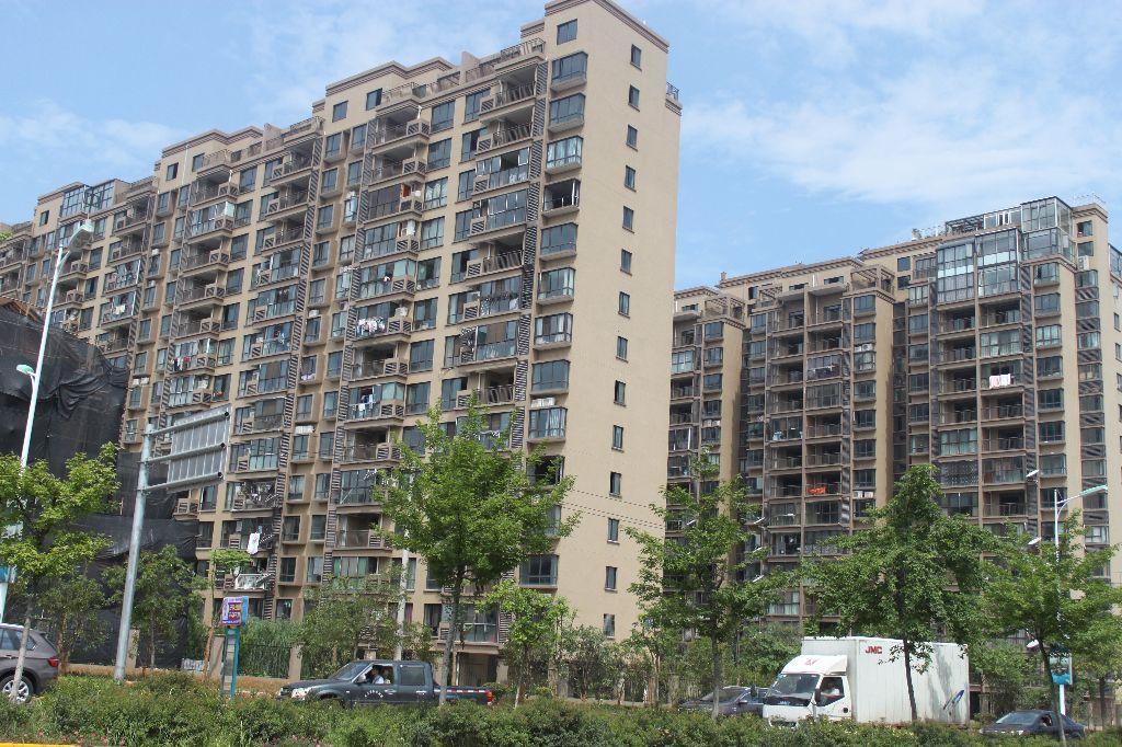 【亚和精品三天必卖房】金城二区豪华装修百万房 顶楼楼中楼