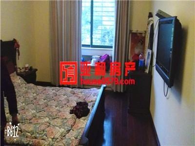【锦都豪苑】小区中间位置 115 平精装修 带25平车库