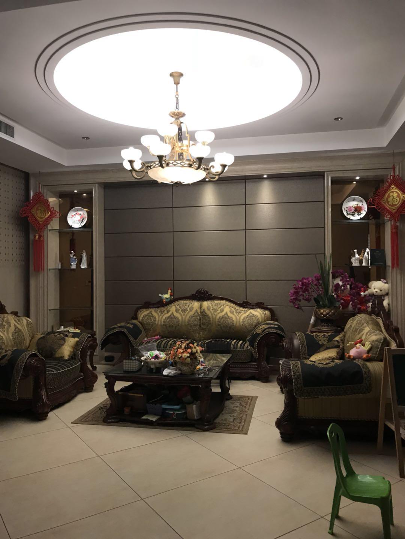 紫荆庄园一期豪华装修200万东边套带两个车位房主诚心出售