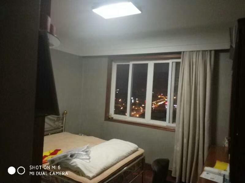 绣湖公寓 200平 全景绣湖公园 绣湖中小学 房东诚心出售