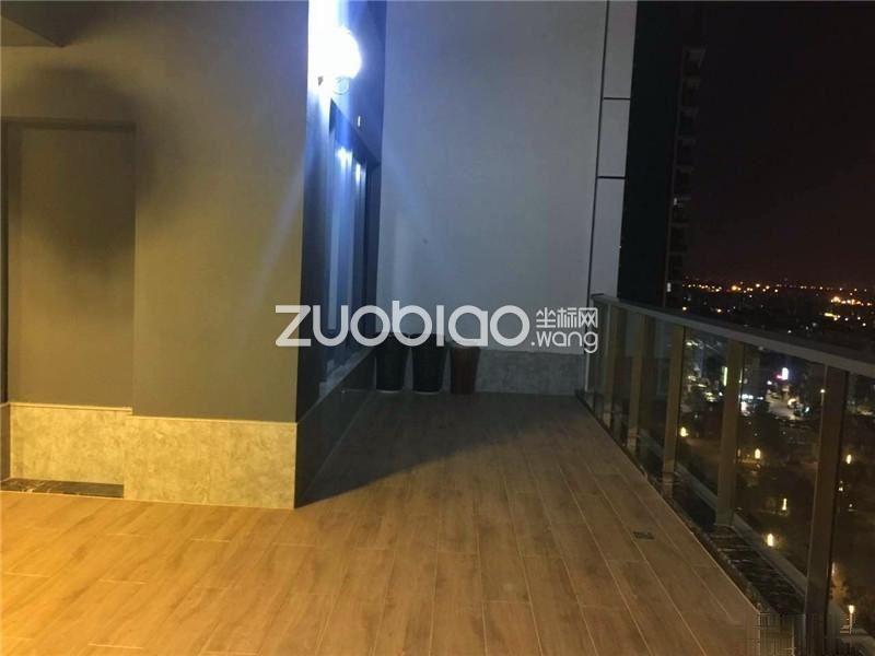 520发布 荷塘月色 豪华装修 证齐 高楼层 大阳台 双车位