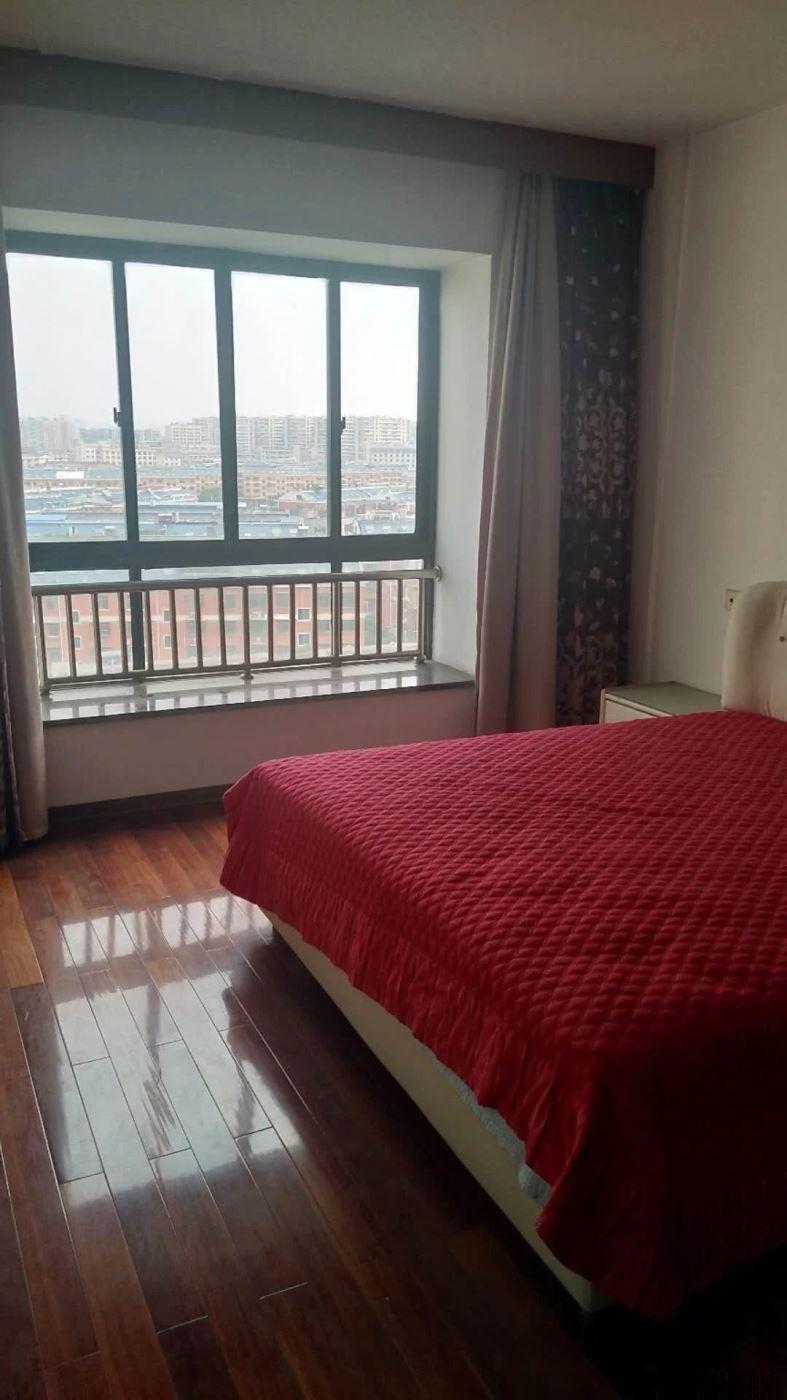 丹桂苑4楼西边套 155平 南北通透 前后无遮挡 房东包税