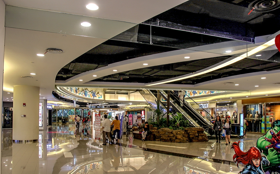 地下商城两间店面转让年租7万每年递增同时世纪联华即将重新回归