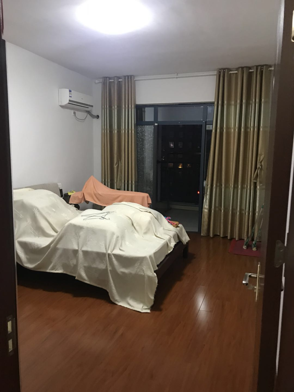 和安公寓3室2厅带车位
