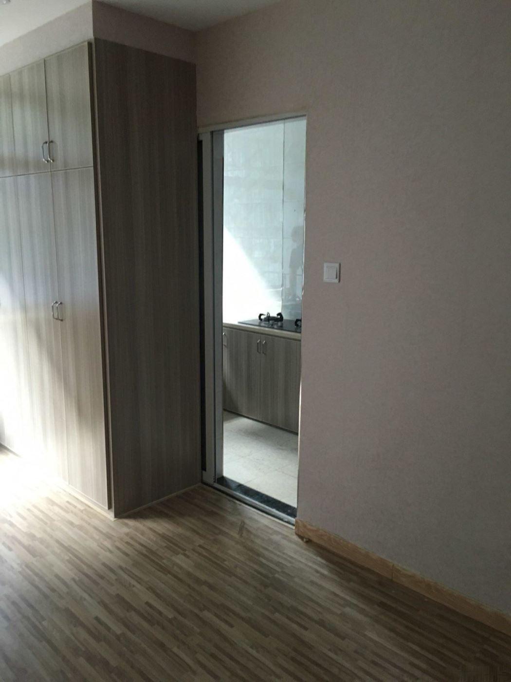 北苑丹阳街乐购后面精装修公寓出售,小户型低总价,北苑中小学