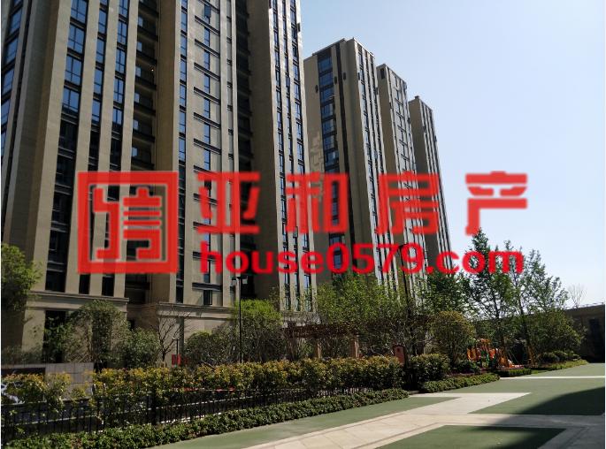 【宝龙广场】111平全新毛坯160万超低价 产证齐全看房随时