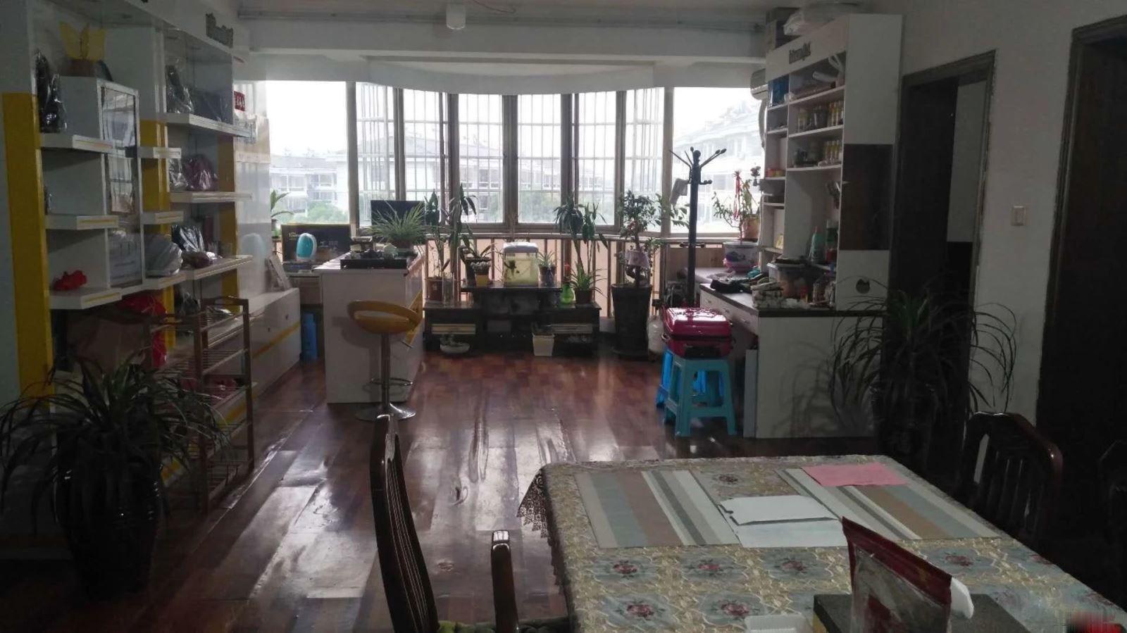 江东实验小学上学,城南中学,涌金广场电梯新房,停车位置方便