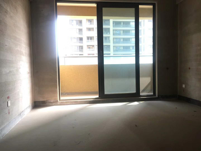义乌市中心的毛坯新房!绣湖双学区,电梯高层东边套带车位!