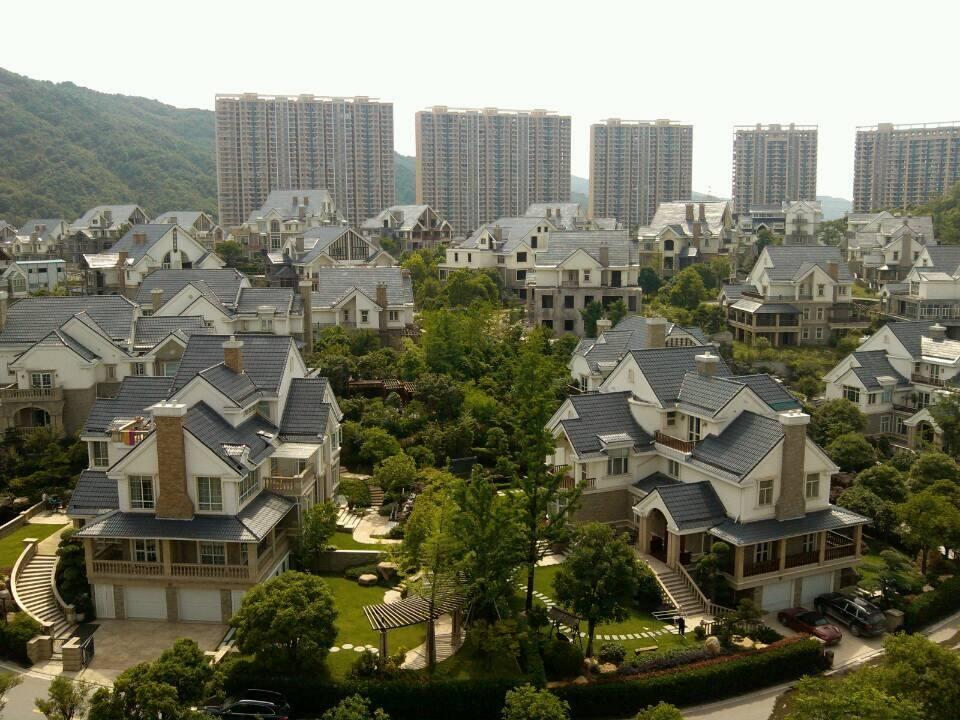 紫荆公寓三室106平楼中楼128万无需税费