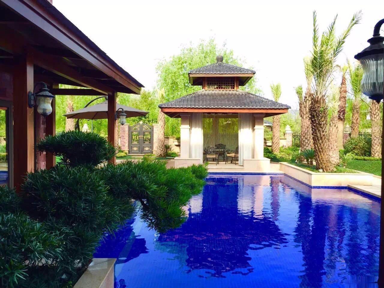 海德公园独体别墅占地2亩多 大花园,游泳池,你想要的在这里