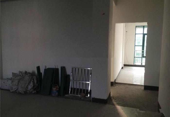 留雅小区占地2间垂直房 年租16万 自住投资的首选房! 急卖